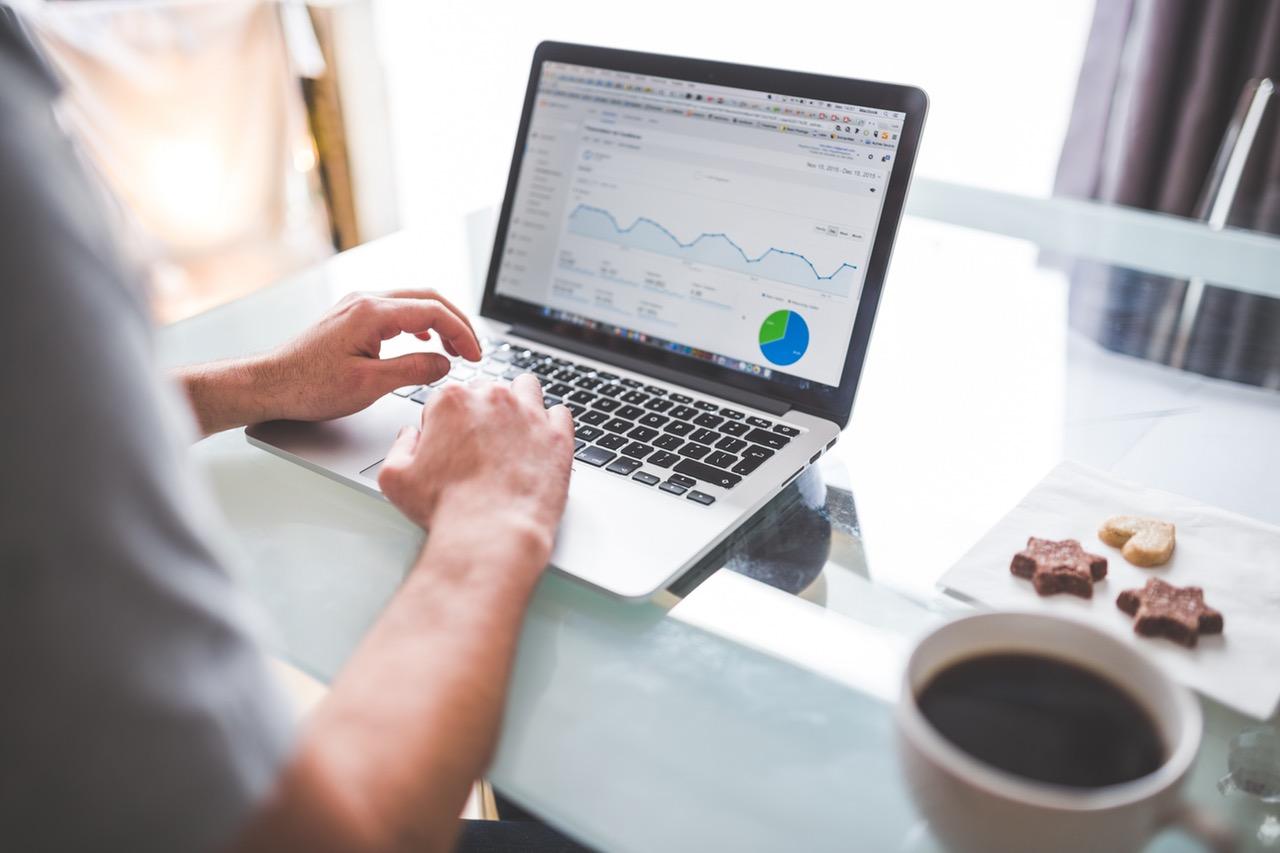 How Online Polls Improve Market Research